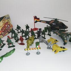2633688927 w640 h640 2633688927 250x250 - Набір солдатиків і військової техніки 30 предметів (2010-1)